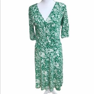 Cabi green and white floral side gather dress.